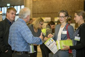 intensives Networking in der Pause