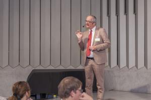 """Thomas Kempen """"Bauordnung NRW: Neue Vorschriften und Bauvorlagen zur Barrierefreiheit – Was müssen Architekten und Planer jetzt beachten?"""""""